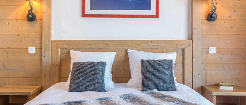 France_LaPlagne_Hotel-Vancouver_Bedroom.jpg